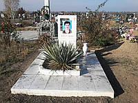 Памятник из белого мрамора 12