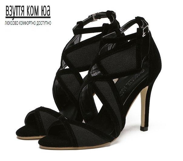 Черные дешевые женские босоножки с переплетами