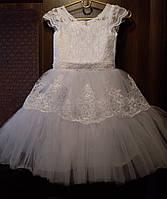 Детское бальное нарядное кружевное платье на 6-7 лет