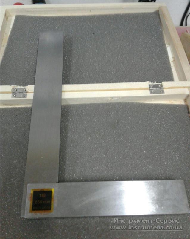 Угольник УШ 400х250 поверочный слесарный с широким осн. Китай