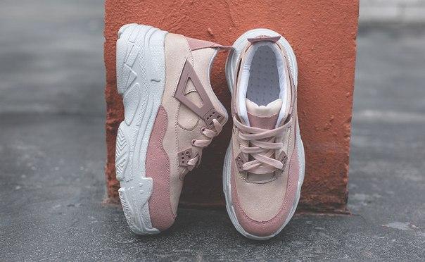 Кроссовки розовые для девушек на высокой подошве