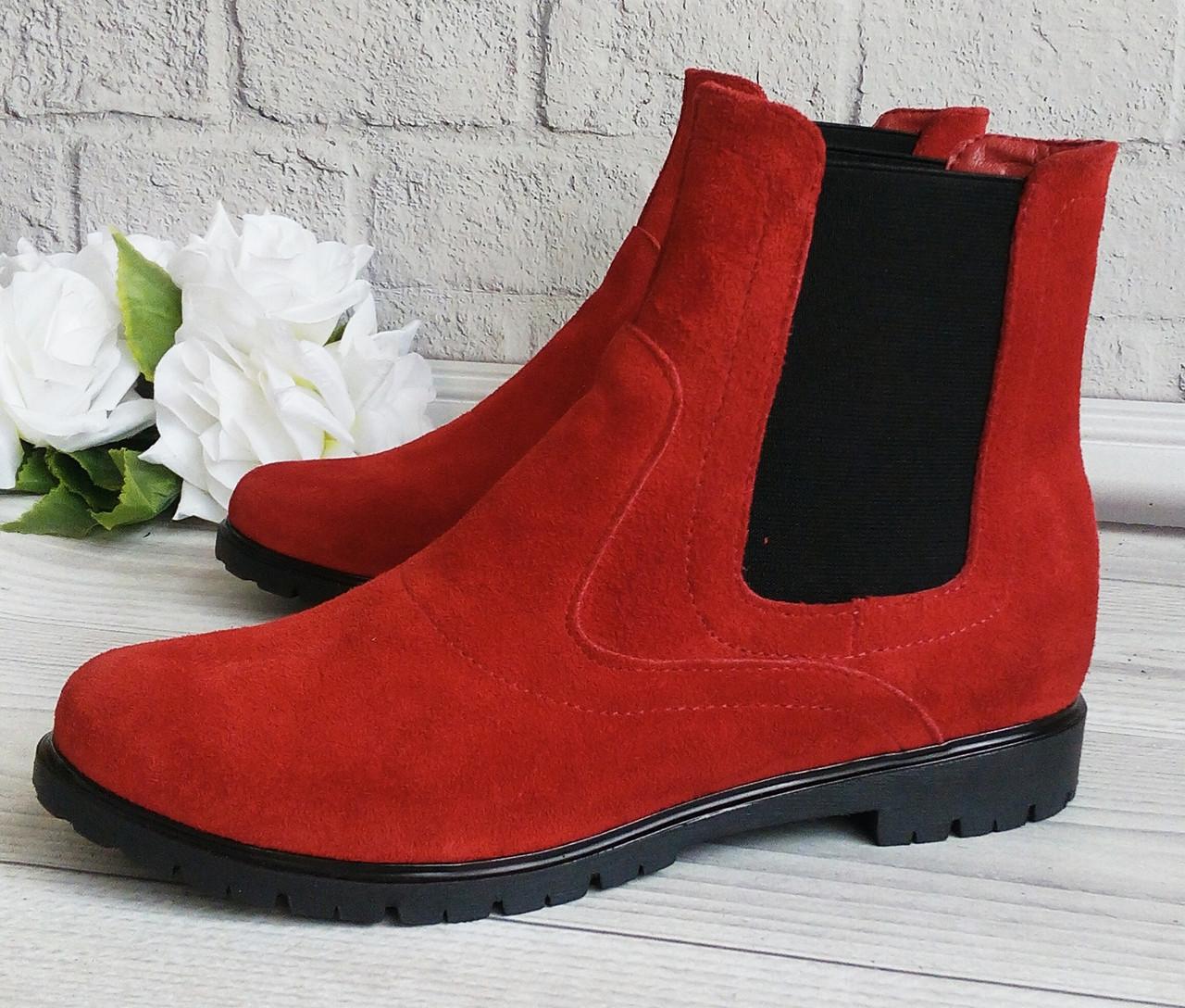 Жіночі черевики челсі червоного кольору