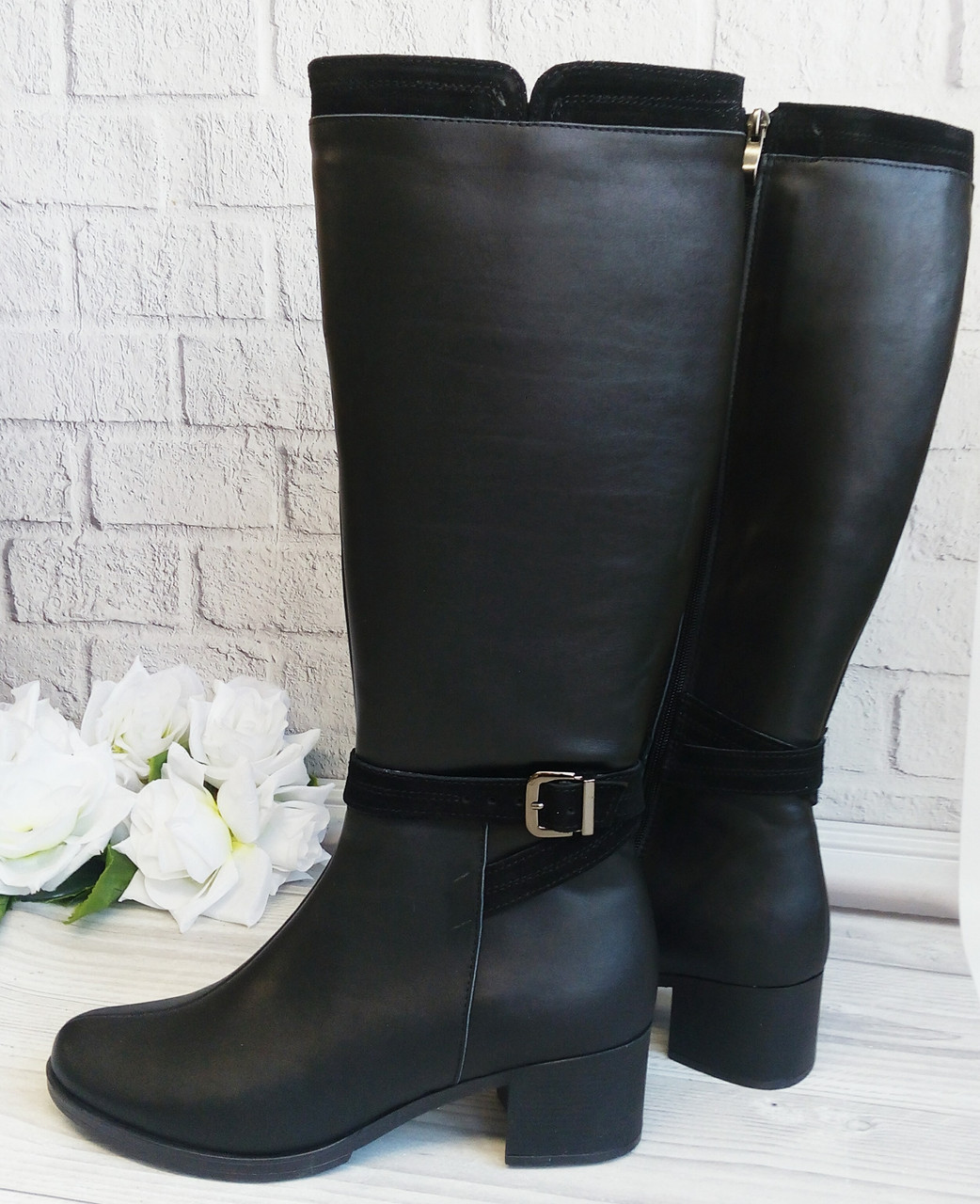 Чорні комбіновані чоботи на підборах
