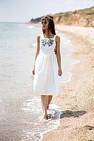 Нежное вышитое платье без рукавов белого цвета с широкими бретелями, фото 1