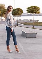 Женская серая рубашка-вышиванка на пуговицах в современном стиле