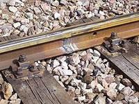 Заміна непридатних дерев'яних шпал на під'їзній колії