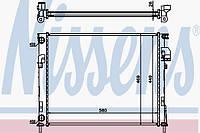 Радиатор системы охлаждения на Рено Трафик II 1.9dci (-АС) / NISSENS 63025A