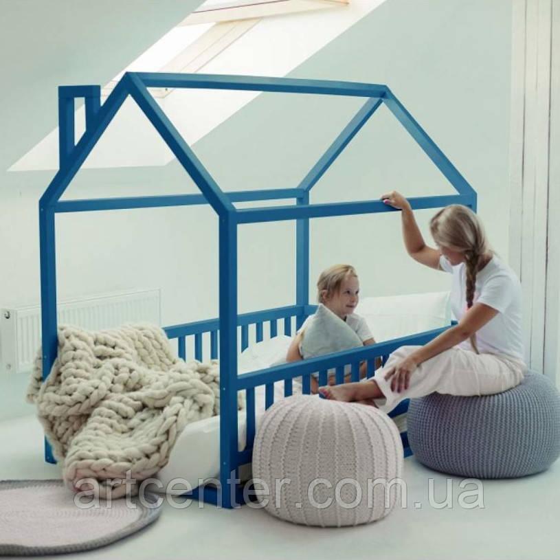 Кроватка-домик с крышей и дымоходом, синего цвета