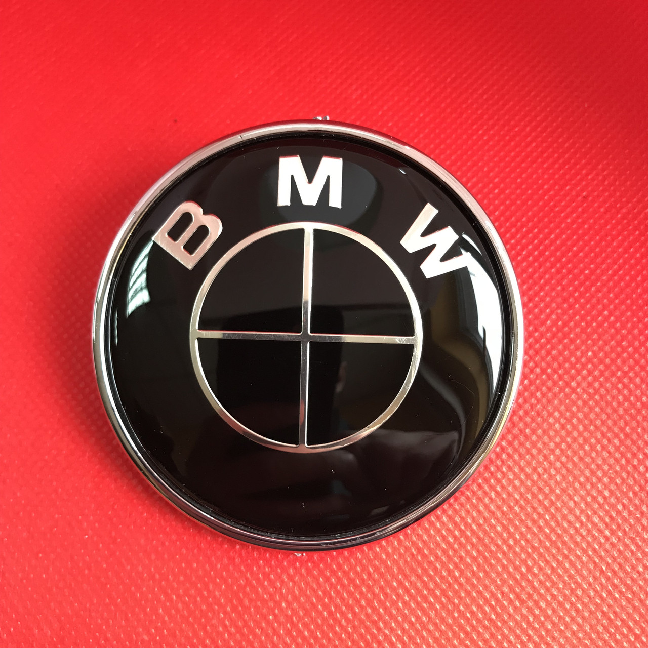 Эмблема логотип BMW   БМВ М 82 мм на капот багажник чёрная