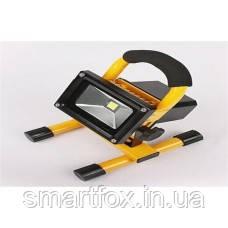 Светодиодный прожектор на аккумуляторе 10 W - Оптово-розничный интернет-магазин Smartfox.in.ua в Одессе