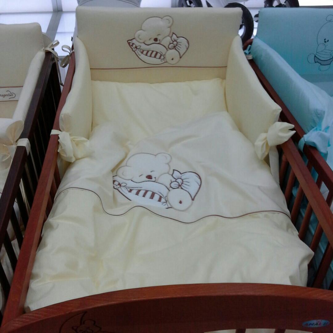 Дитяча постіль для новонародженого