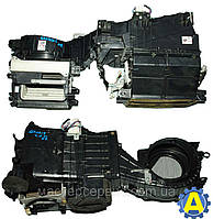 Корпус печки на Mitsubishi Grandis (Митсубиси Грандис) 2003-2011