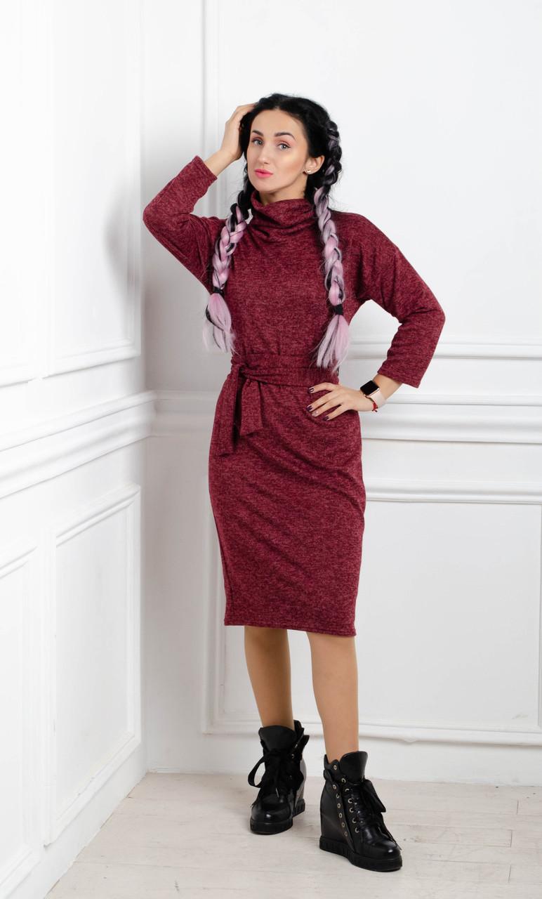 Теплое платье больших размеров с поясом