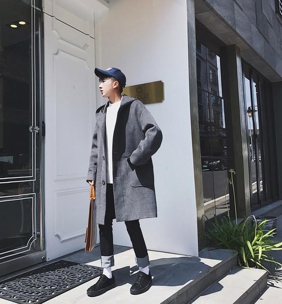 Мужской молодежное очень свободное пальто с большими карманами