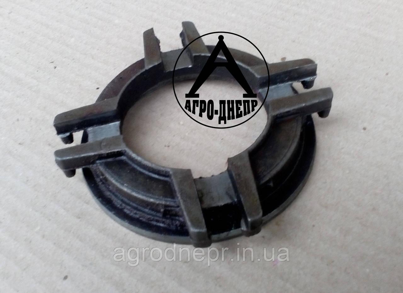 Кольцо отжимных рычагов ЯМЗ под отводку ХТЗ 236-1601120