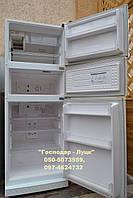 Холодильник трехкамерный, высота 178см. ширина 65см, с системой Ноу-Фрост