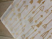 Тканина з блискучою малюнком. Бавовна золоті стрілки Білому. Відріз 50х40см