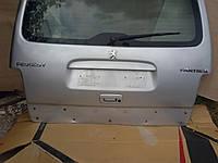 Крышка багажника Peugeot Partner 2003 г. пассажир