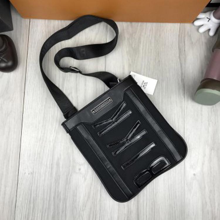 Брендовая женская сумка-планшетка Bikkembergs черная через плечо текстиль кожа PU унисекс Биккембергс реплика