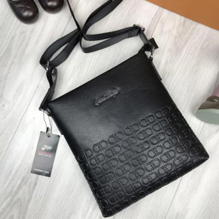b69875db6f30 Мужская сумка-планшетка Salvatore Ferragamo черная экокожа через плечо  унисекс Сальваторе Феррагамо реплика - Ваш