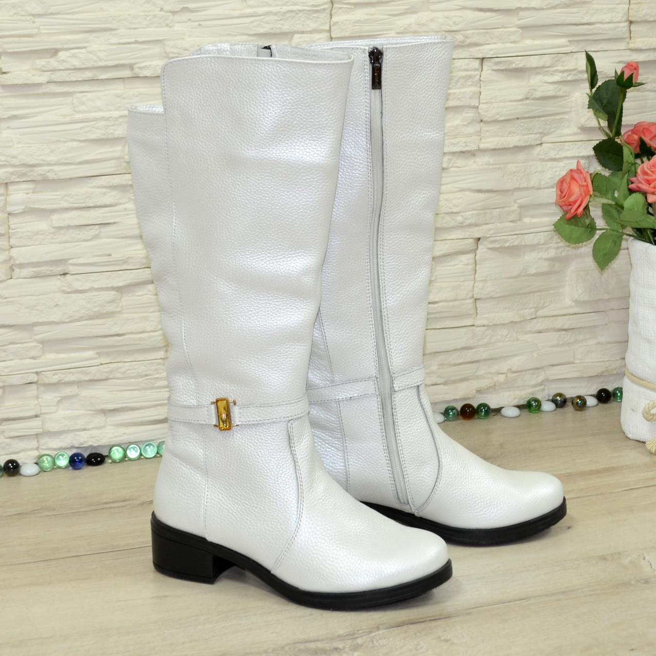 Білі демісезонні чоботи на байку. 37 розмір