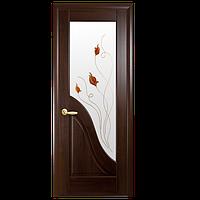 Межкомнатные двери Новый стиль Амата со стеклом и рис. Р1 каштан