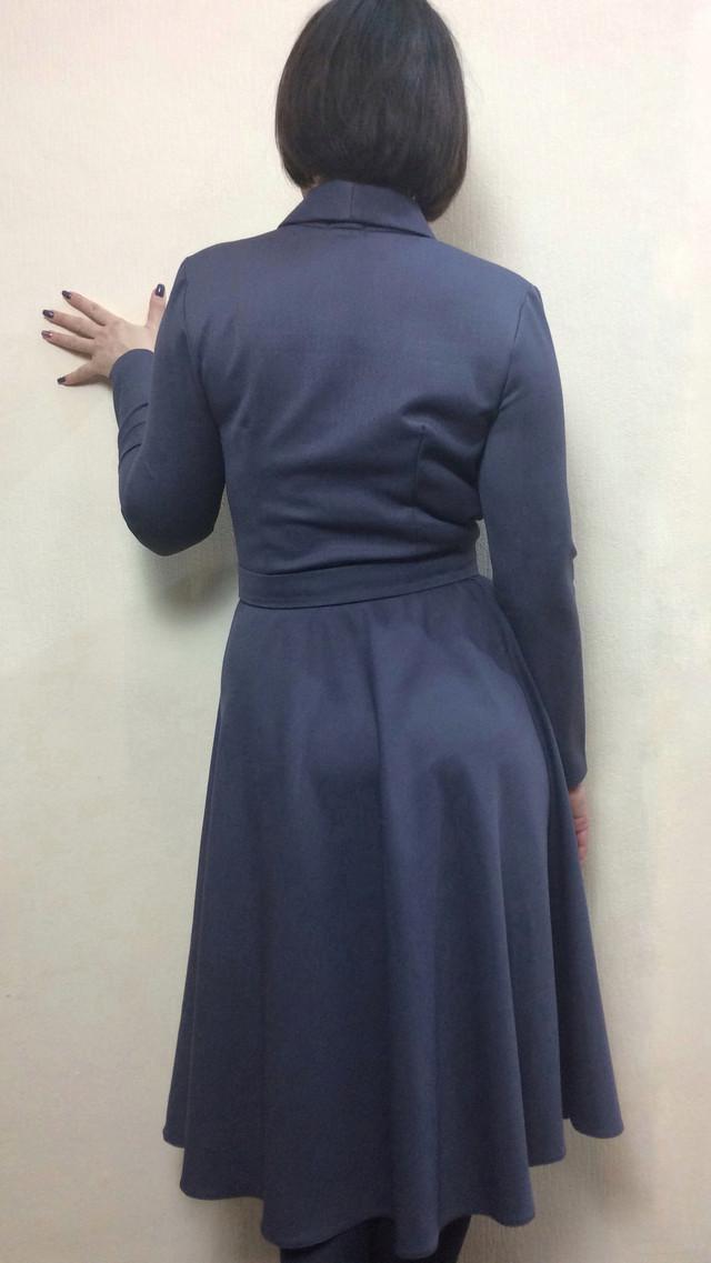 Женское офисное платье с расклешенной юбкой П250