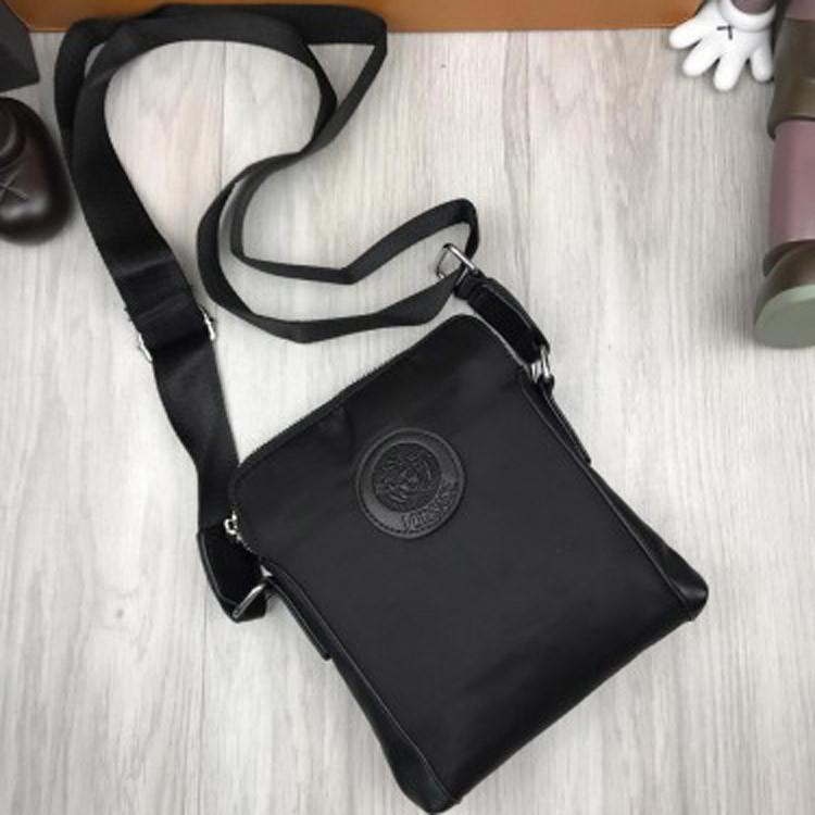 Удобная мужская сумка-планшет Versace черная планшетка унисексчерез плечо искусственная кожа Версаче реплика