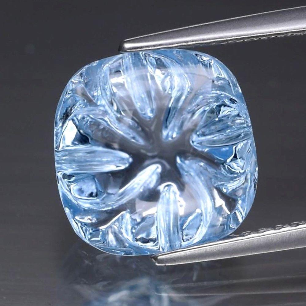 Натуральный топаз голубой 5.77ct 10mm