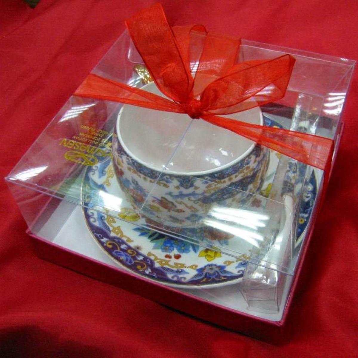 Чашка фарфоровая с блюдцем Цветы