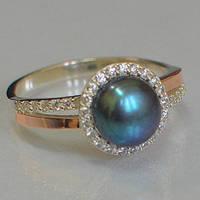 Серебряное кольцо с золотыми накладками с натуральным черным жемчугом и фианитами 401