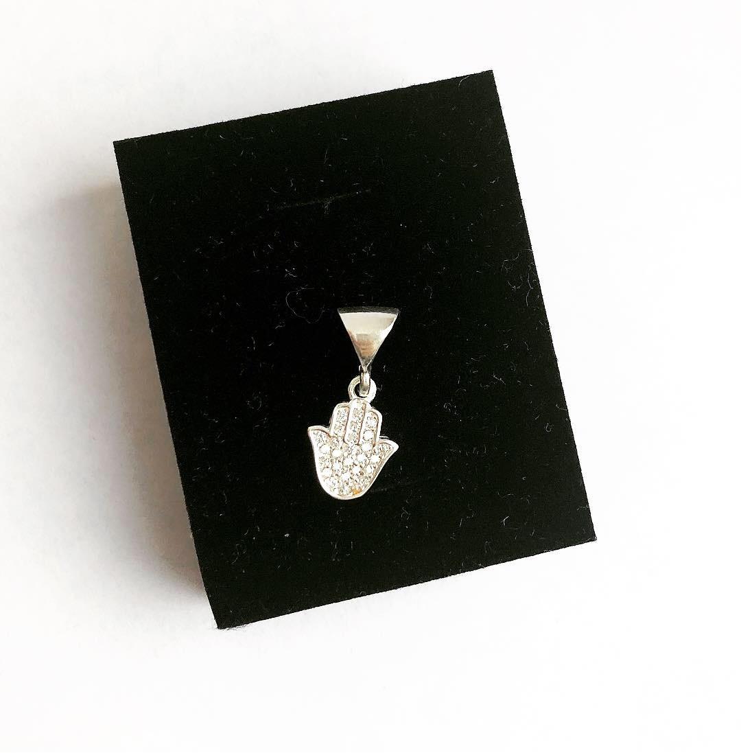 Подвеска из серебра Мої прикраси в стиле минимализм с куб. цирконом ладошка хамса