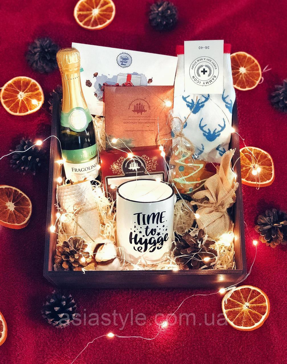 Подарунок для дівчини, Hygge secret box, Май
