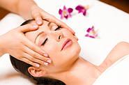 Класичний масаж обличчя.