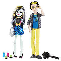 Набор кукол Monster High Френки Штейн и Джексон Джекилл - Picnic Casket