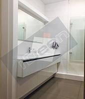 г. Киев, ул. Армянская. Ванная комната - крашенный глянец.
