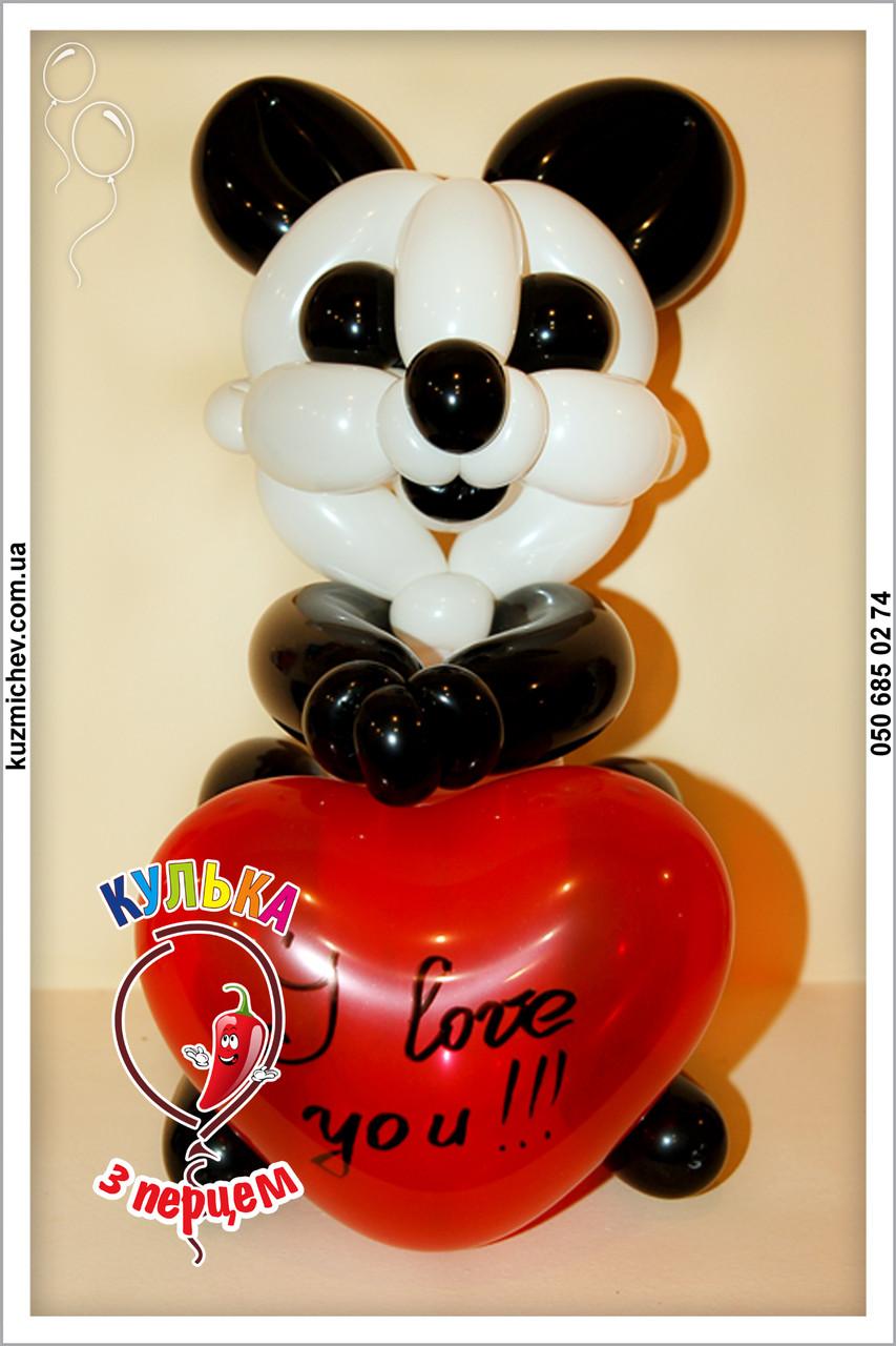 Панда с сердечком