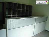 Стойка ресепшн со стеллажами. Офисная мебель на ресепшн: готовая и по индивидуальным размерам (R-52)
