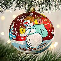 "Шар на елку 100 мм ""Снеговик с подарками "", фото 1"