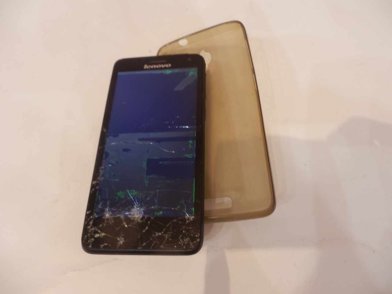 Мобильный телефон Lenovo S660 №5933