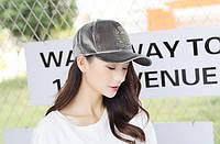 Женская бархатная кепка