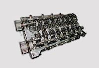 Головка блока циллиндров двигателя Рено 2.2DCI  G9T / 2.5DCI G9U б/у