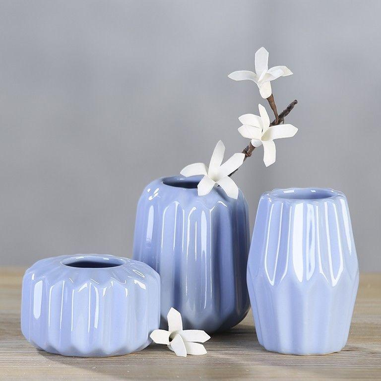 Ваза для квітів блакитна керамічна декоративна маленька ребриста