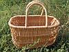 Корзина-сумка, плетенная из лозы