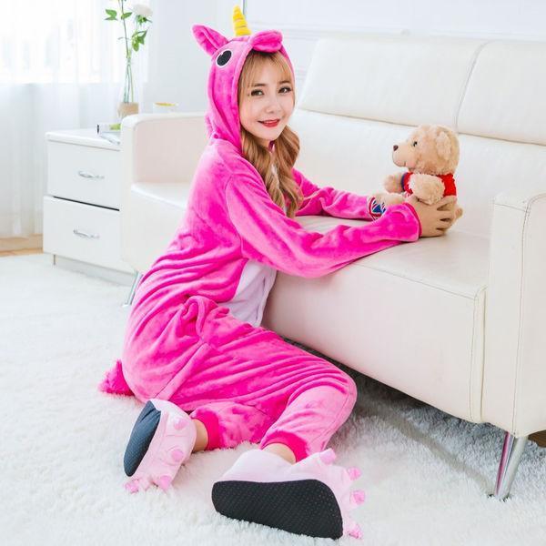 Пижама кигуруми малиновый единорог