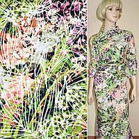 Трикотаж дайвинг зеленый с малиново-белыми цветами стрейч ш.157 (11205.003)