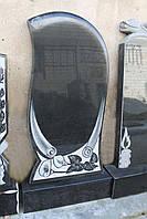 Памятник гранитный свиток