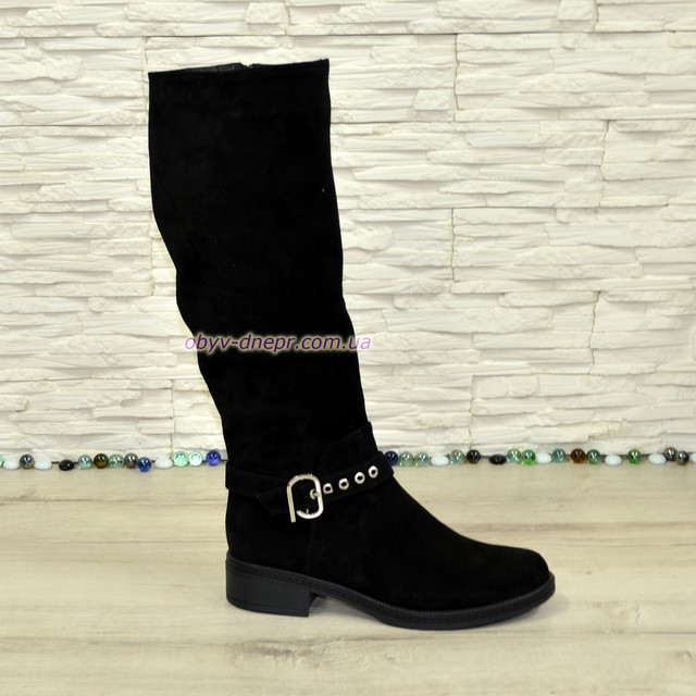 12c89cacf Описание Сапоги женские демисезонные на невысоком каблуке, натуральная  замша черного цвета