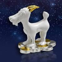 """Статуэтка """"Белая коза на серебряных и золотых монетах"""""""
