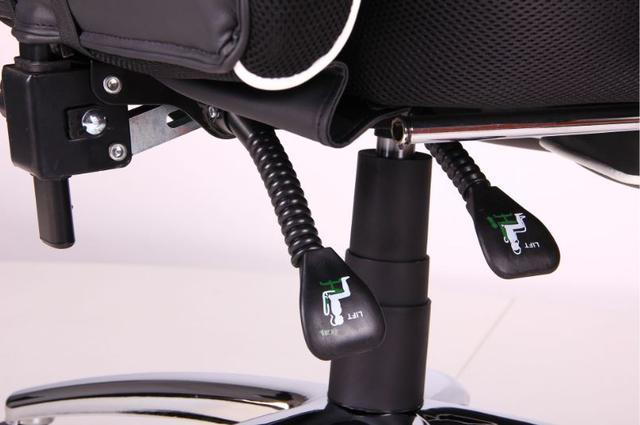 Кресло VR Racer Edge Omega черный/белый (Фото 12)